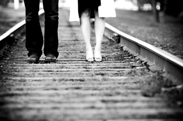 astrid-photography-old-town-alexandria-engagement-session-on-train-tracks